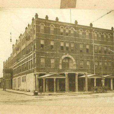 Whittington Hotel